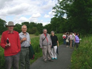 More participants on the walk
